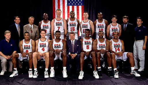 Das US-Dream-Team u.a. mit Jordan, Bird, Magic, Stockton, Pippen und Headcoach Chuck Daly