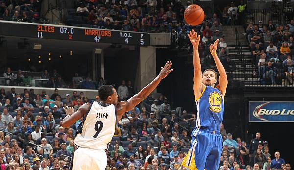 Platz 21: Stephen Curry  - 8 Dreier (bei 13 Versuchen) - Warriors vs. Grizzlies 2015, Game 6