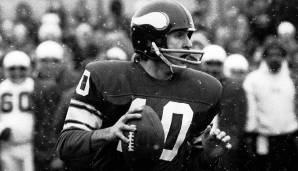 12.: Fran Tarkenton (1961-1978): 47.003 Yards.