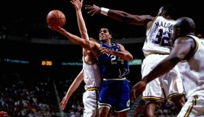 Platz 1 (all-time): Jim Jackson - 12 Teams in 13 Jahren (Mavericks, Nets, Sixers, Warriors, Blazers, Hawks, Cavaliers, Heat, Kings, Rockets, Suns, Lakers)