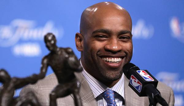 Vince Carter (1998-heute, Raptors, Nets, Magic, Suns, Mavericks, Grizzlies, Kings) - 8x All Star, Rookie of the Year