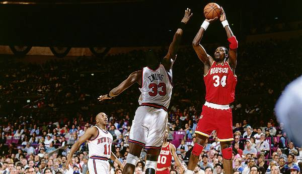 Hakeem Olajuwon (1984-2002) - Houston Rockets, Toronto Raptors.